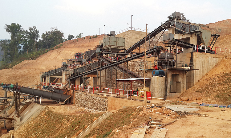 Metal mineral crushing